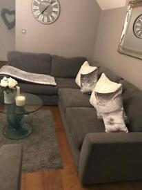 Corner settee & love chair