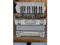 Hohner, La Contessa, Great Condition, 2 Voice, 24 Bass, Piano Accordion.