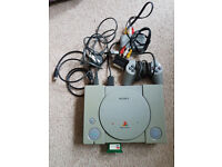 Sony PS1 Playstation Console, Controller and family game bundle (4)