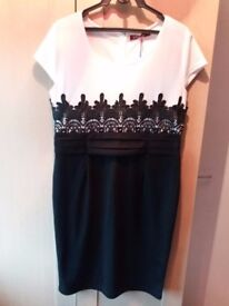 NEW with tags lovely black and white dress size XL