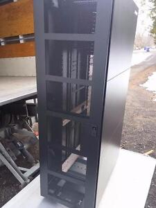 Server cabinet 42U  HITACHI XP10000 RACK 24 x 40 x 72