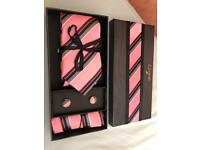 PERFECT GIFT IDEA*!!! BRAND NEW* NEVER USED*! TIE SET**