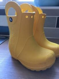 Croc wellies yellow child size 6