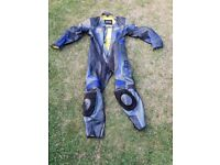 Akito Maxx 1 piece leathers size 44