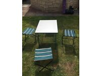 4x Camping stools and Table
