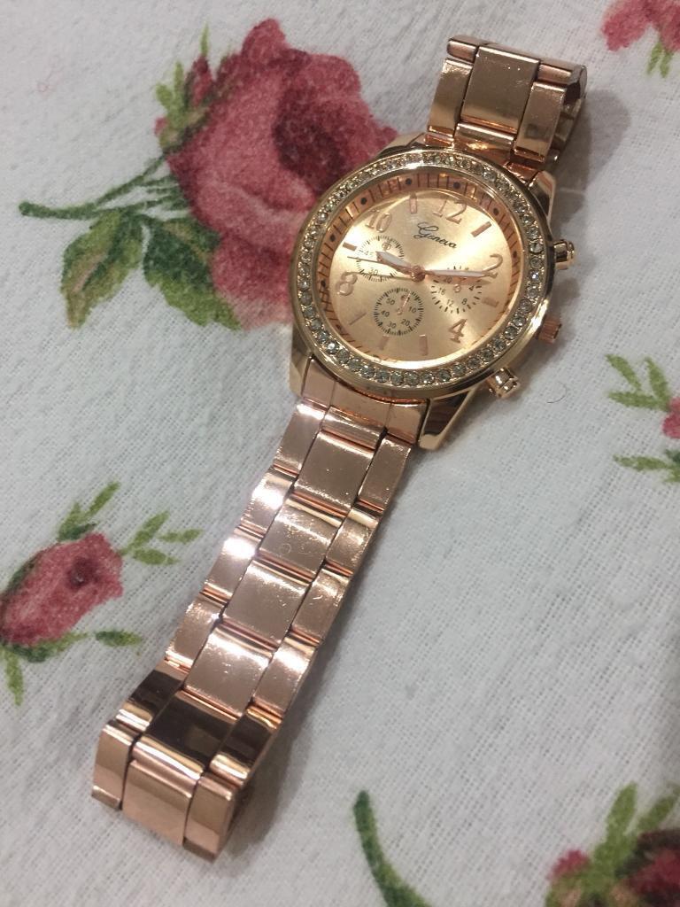 Brand new women's stylish watch