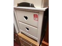 2 drawer heart bedisde