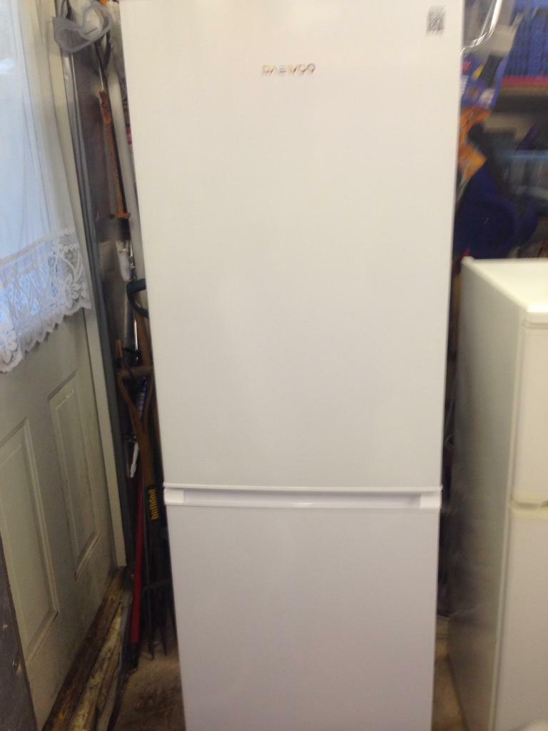 Daewoo dff470sw frost free fridge freezer 6 months old. | in ...