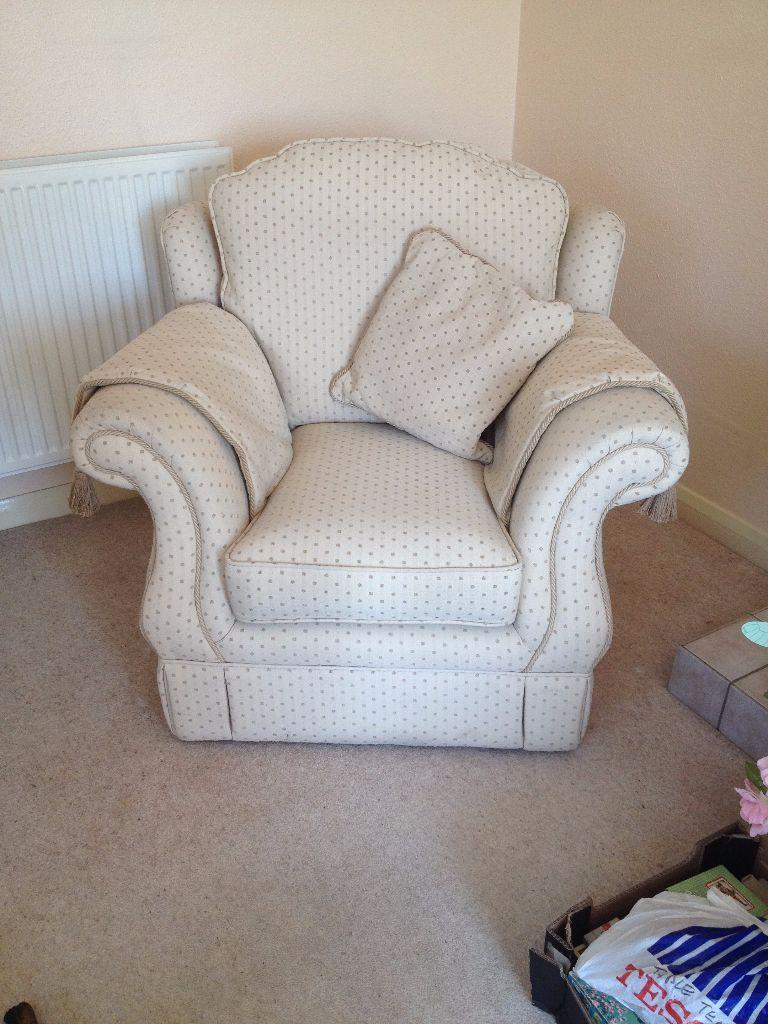 3 piece suite in frome somerset gumtree for Sofa bed 3 piece suite