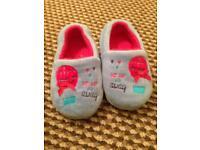 Girls slippers 8