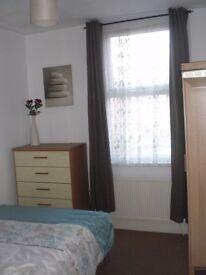 Bedroom for Single Professional 5 min Watford Junction