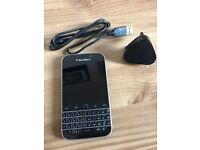 Blackberry Classic black- very good condition (unlocked)