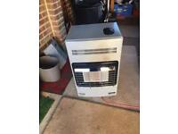 Delonghi portable gas fire in good working order £35