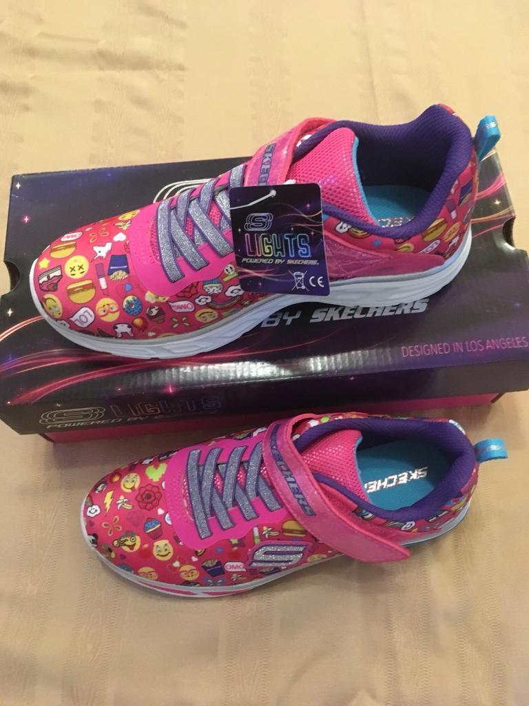 c381ffd4fffd Skechers Lights. Neon pink multi. Size 3.