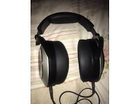 Headphones audeze el8 paid 699 from apple