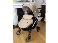 Silver cross wayfarer with carry cot