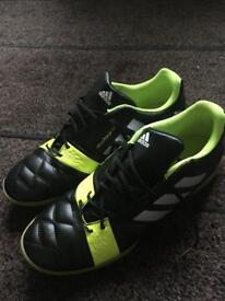 Mens size 9.5 adidas nitrocharge 3.0 trainers (super condition)