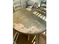 Extending solid wood table & 4 chairs