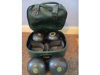 Henselite bowls and bag