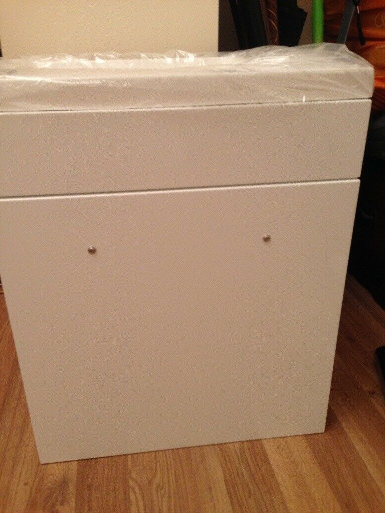 Brand New small sink and unit & accessories