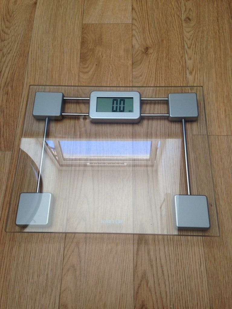 Salter Compact Electronic Gl Bathroom Scale