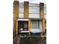 A Nice 3 Bed House for rent in Canning town