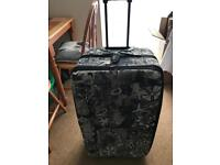 Excellent Condition Suitcase on Wheels