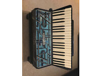 Hohner Verde III 1930's/40's. 41/120 accordion