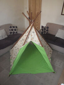 Children's canvas play tent, teepee