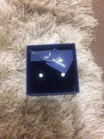 Swarovski earrings ( never worn ) - brand new