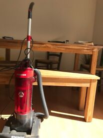 Almost new HOOVER Vacuum Cleaner for sale