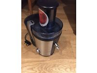 Bosch XXL Juicer Never been used. Stainless Steel in colour, excellent condition