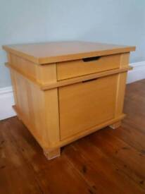 Wooden side table with drawers