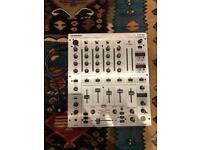 Behringer Professional DJ Mixer DJX700