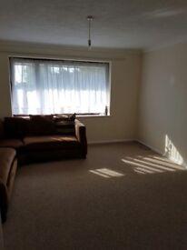 First floor 2 BED ROOM Maisonette Flat available for rent - ELSTREE - BOREHAMWOOD / £ 1200 / MONTH
