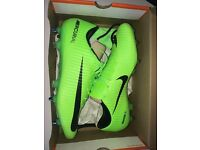 Brand new Nike Vapor 11 Electric Green/black-ghost green white football boots size 10.5