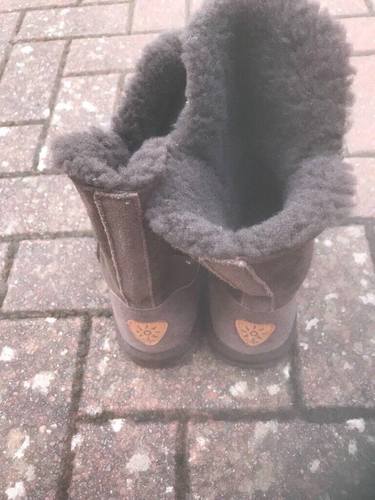 Brown Dije ugg boots   in East Kilbride, Glasgow   Gumtree