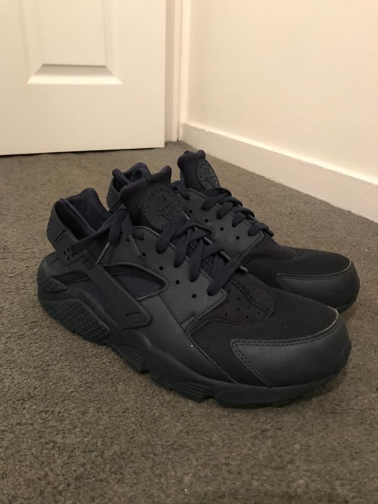 Nike Huaraches Navy Size 10 (AMAZING CONDITION)