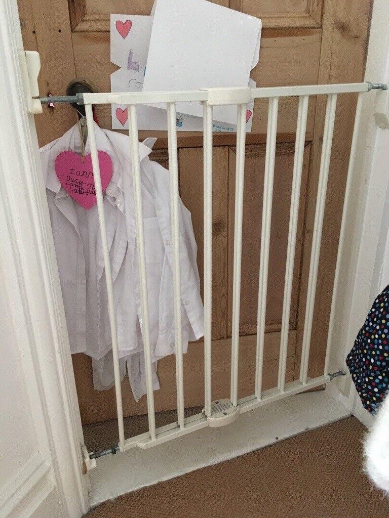 Lindam Doorway Baby Gate - adjustable width