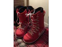 New NIKE Snowboarding Boots - UK 10.5