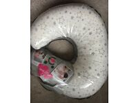 Maternity and postnatal feeding support pillow
