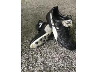 Puma King football boots moulded studs hard ground Astro