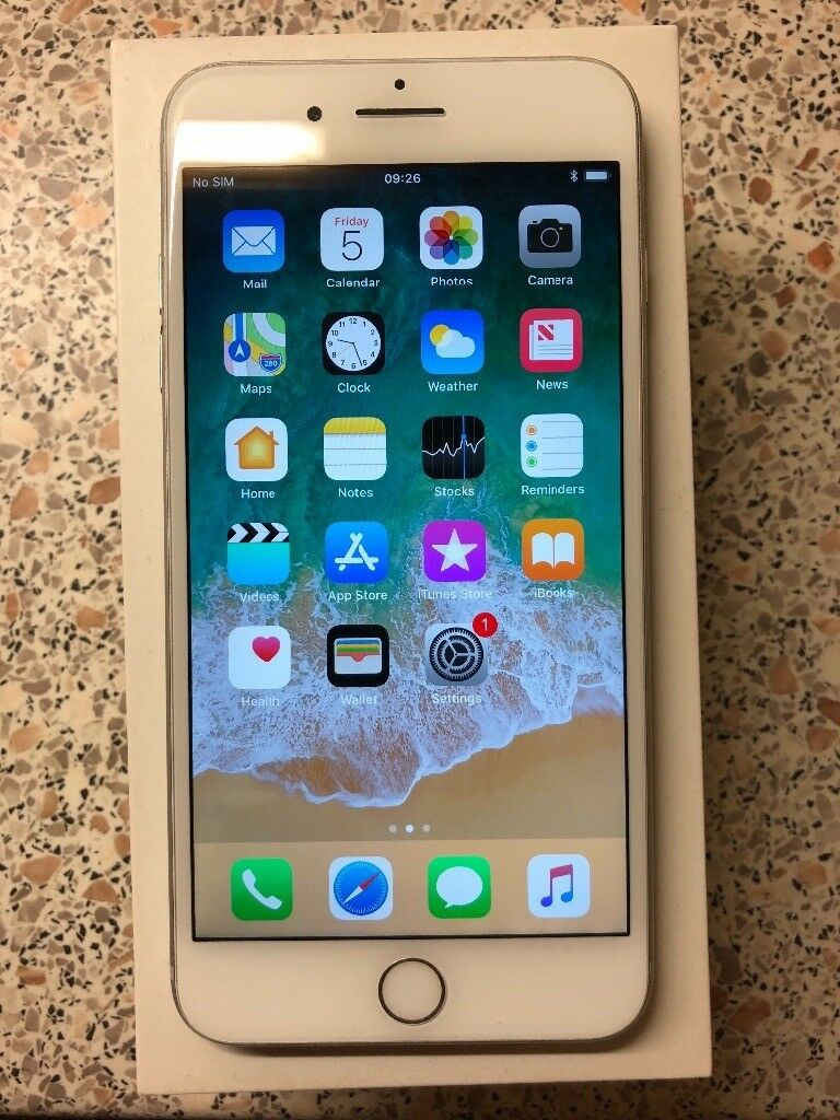 IPhone 7 Plus, 128gb, Silver, unlocked and IMMACULATE!