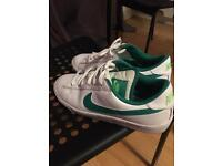 Nike sneakers - white green - size 4