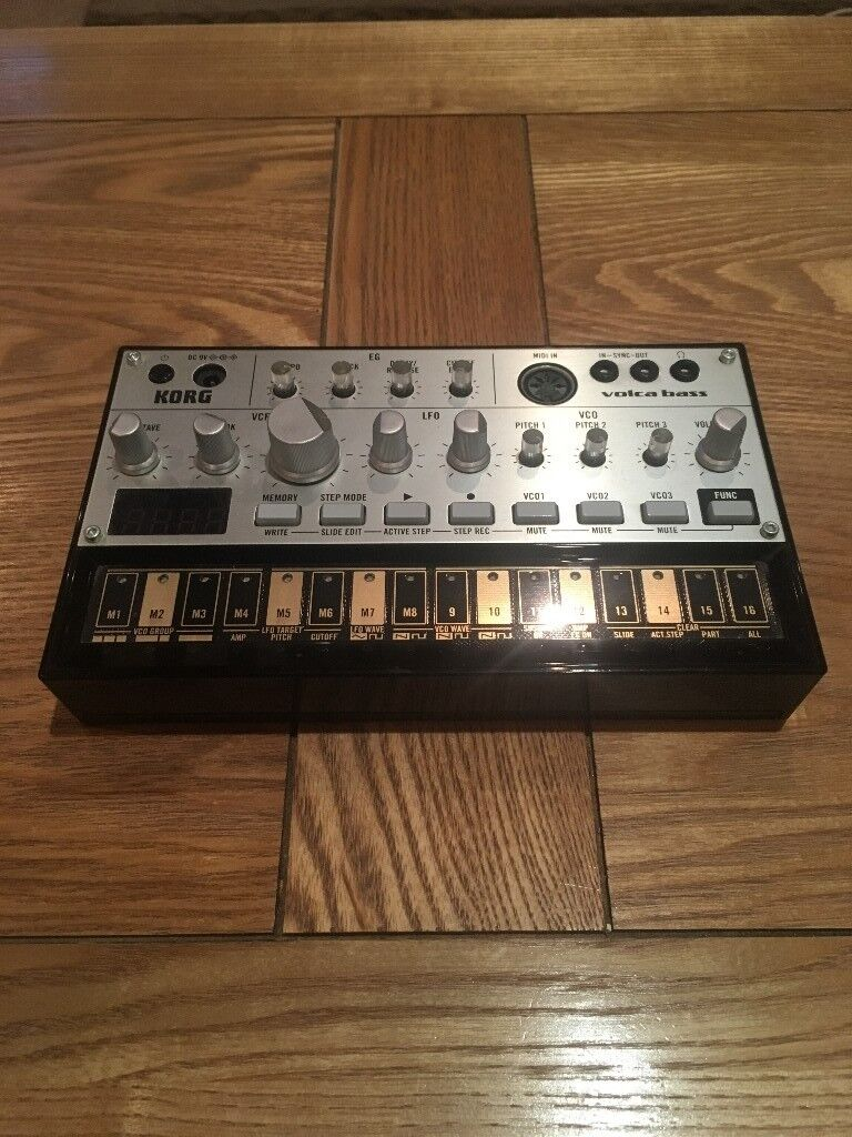 Korg Volca Bass + Power Cable in Mint Condition and boxed