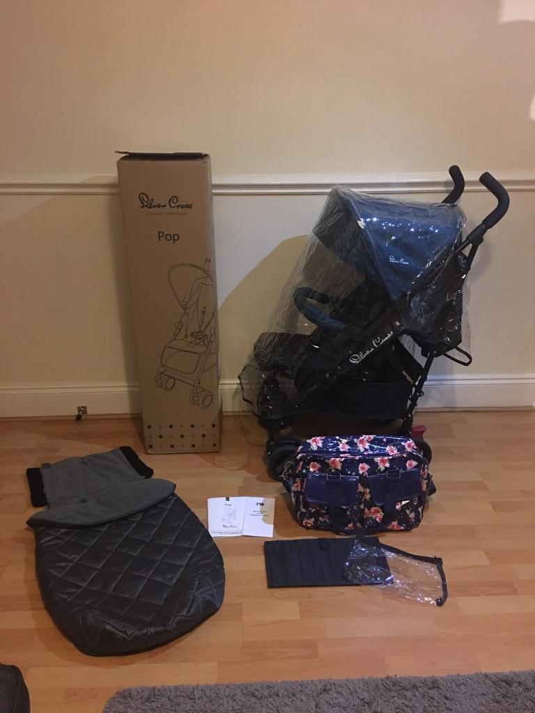 Silvercross pop star stroller with extra's&receipt. Only 4mths old..