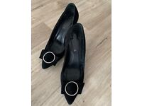 Black leather suede heels 39.5 barely used