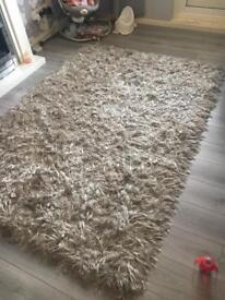 VERY Large silvery/cream rug. 170 x 220