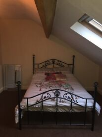 Double room to rent in large house, Scarborough town centre, £350 PCM all bills included