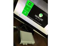 XBOX 360 + Kinect + 3 Controllers + 60Gb HDD + 7 Games